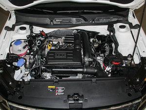 2015款运动版 发动机