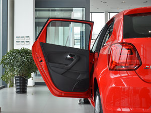 2016款1.6L 自动舒适版 后车门