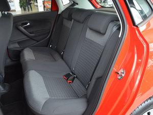 2016款1.6L 自动舒适版 后排空间