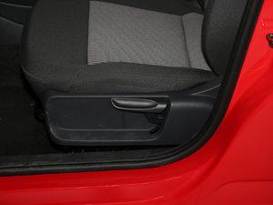 2016款1.4L 手动风尚版 座椅调节