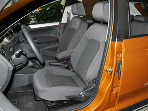 2016款1.6L 自动风尚版 前排座椅