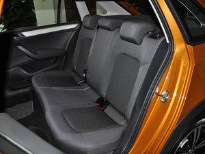 2016款1.6L 自动风尚版 后排座椅