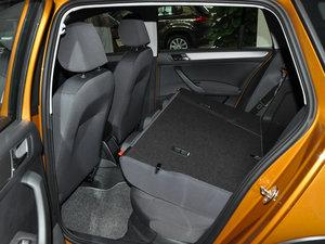 2016款1.6L 自动风尚版 后排座椅放倒