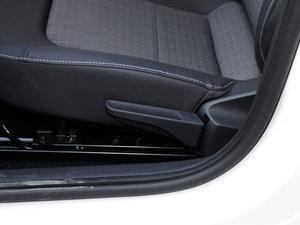 2016款1.6L 自动舒适版 座椅调节