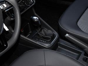 2016款1.6L 自动舒适版 变速挡杆