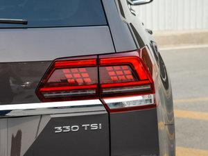 2017款330TSI 自动两驱豪华版 尾灯