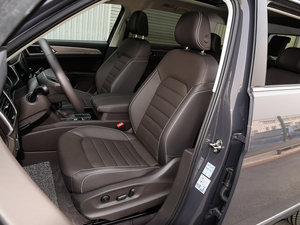 2017款330TSI 自动两驱豪华版 前排座椅