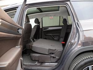 2017款330TSI 自动两驱豪华版 后排座椅放倒