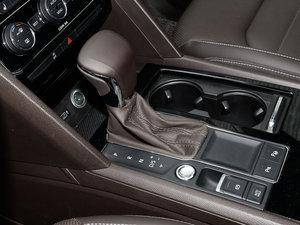 2017款330TSI 自动两驱豪华版 变速挡杆