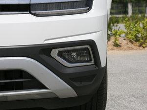 2017款380TSI 自动四驱豪华版 雾灯