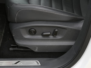 2017款380TSI 自动四驱豪华版 座椅调节