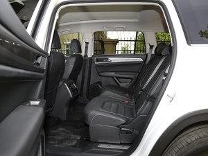 2017款380TSI 自动四驱豪华版 后排空间