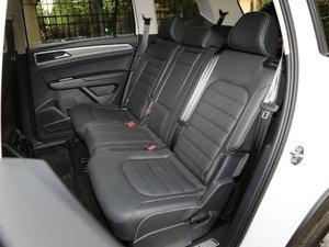 2017款380TSI 自动四驱豪华版 后排座椅