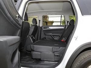 2017款380TSI 自动四驱豪华版 后排座椅放倒