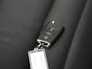 2017款380TSI 自动四驱豪华版 钥匙