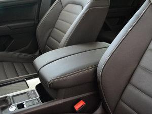 2017款330TSI 自动两驱豪华版 前排中央扶手