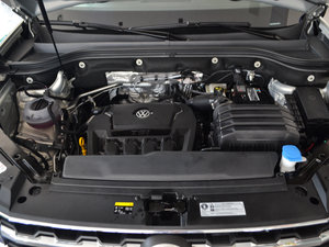 2017款330TSI 自动两驱豪华版 发动机