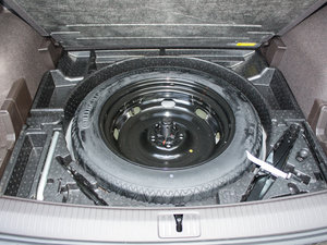 2017款380TSI 四驱旗舰版 备胎