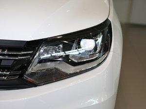 2017款300TSI 自动两驱丝绸之路舒适版 头灯
