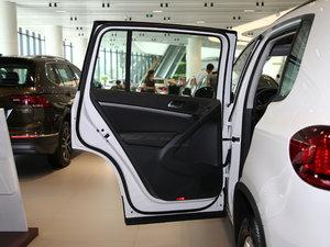 2017款300TSI 自动两驱丝绸之路舒适版 后车门