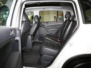 2017款300TSI 自动两驱丝绸之路舒适版 后排空间