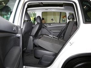 2017款300TSI 自动两驱丝绸之路舒适版 后排座椅放倒