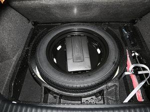 2017款300TSI 自动两驱丝绸之路舒适版 备胎