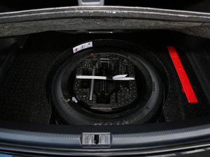 2017款330TSI DSG御尊版 备胎