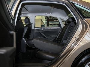 2017款330TSI DSG尊荣版 后排座椅放倒
