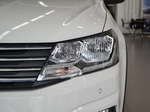 2017款1.6L 自动舒适版 头灯