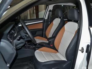 2017款1.6L 自动舒适版 前排座椅