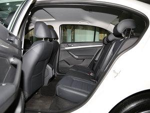 2017款1.6L 自动舒适版 后排空间