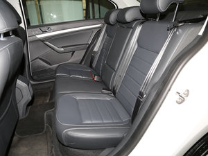 2017款1.6L 自动舒适版 后排座椅