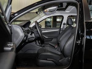 2017款230TSI DSG豪华版 前排空间