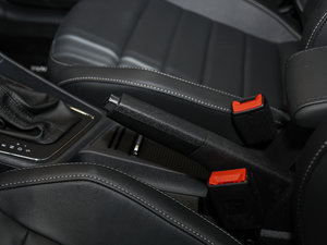 2017款230TSI DSG豪华版 驻车制动器