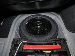 2017款230TSI DSG豪华版 备胎