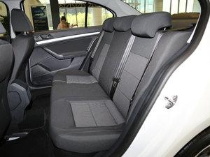 2017款1.6L 自动风尚版 后排座椅