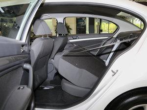 2017款1.6L 自动风尚版 后排座椅放倒