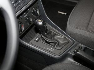 2017款1.6L 自动风尚版 变速挡杆