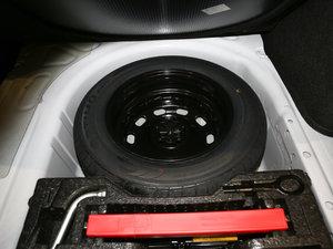 2017款1.6L 自动风尚版 备胎