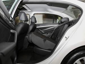 2017款1.6L 手动舒适版 后排座椅放倒