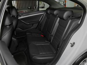 2017款1.6L 手动舒适版 后排座椅