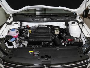 2017款1.6L 手动舒适版 发动机
