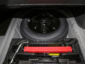 2017款1.6L 自动舒适版 备胎