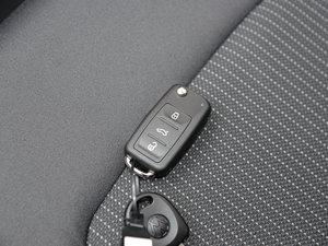 2017款1.6L 自动风尚版 钥匙
