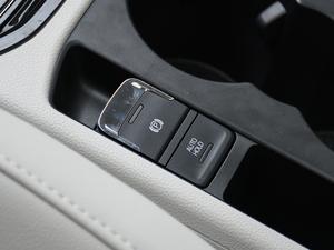 2018款280TSI 自动豪华版 驻车制动器