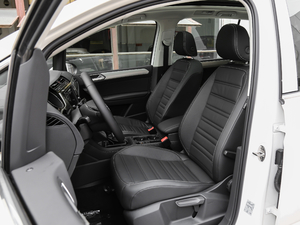 2018款280TSI 自动拓界版 7座 前排座椅