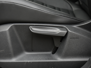 2018款280TSI 自动拓界版 7座 座椅调节