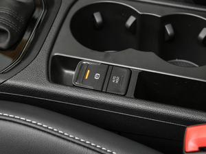 2018款280TSI 自动拓界版 7座 驻车制动器