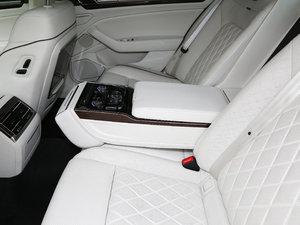 2018款480 V6 四驱至尊旗舰版 后排中央扶手